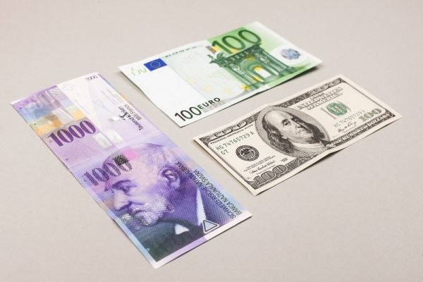 EUR Hit 1.18 Dollars After Good Data from Germany